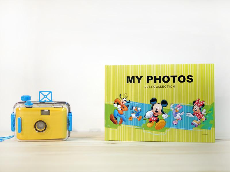 A5尺寸相片書,搭配最活潑的米奇與他的好朋友,讓您方便攜帶與朋友分享!
