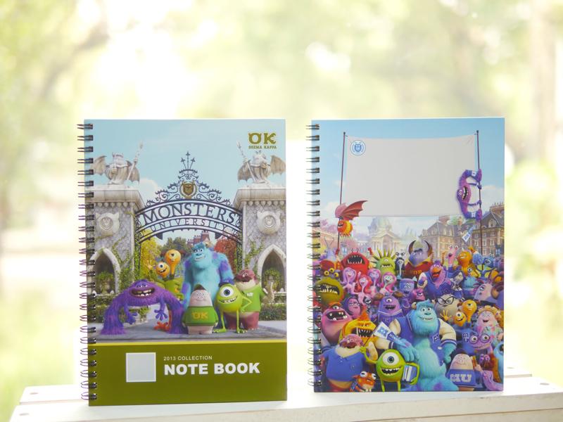 STORY365軟體可製作客製化迪士尼硬殼封面筆記本,有多款樣式,米奇,米妮,公主,瑪莉貓,小熊維尼,怪獸大學,玩具總動員,汽車總動員,小鹿斑比,陪你度過生活的每一天。