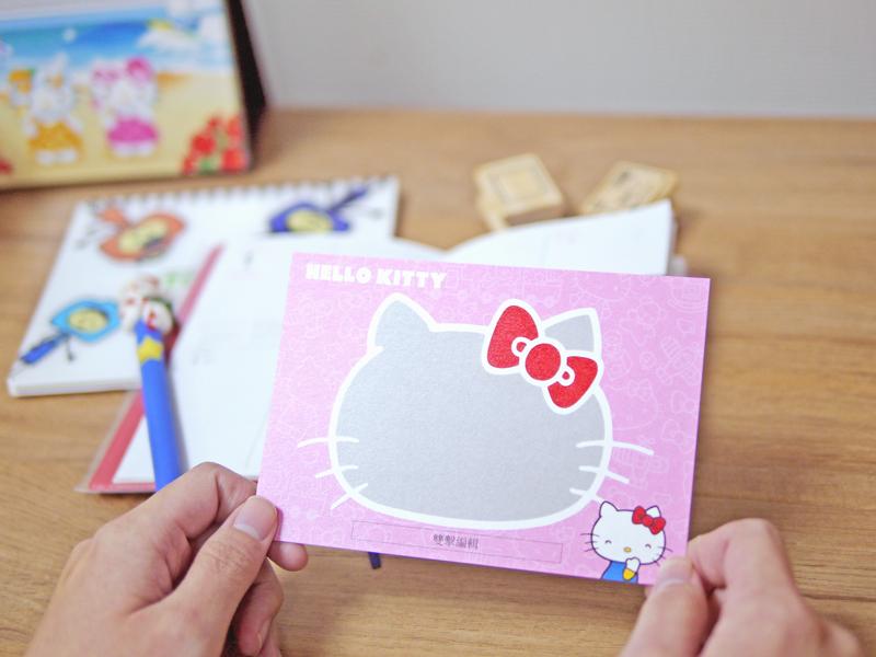 超可愛的Hello Kitty客製化明信片,套上自己的照片,全世界獨一無二