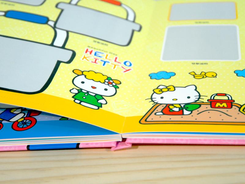 Hello Kitty相片書,Binding採用婚紗級蝴蝶裝訂,可180度平翻,無視覺死角