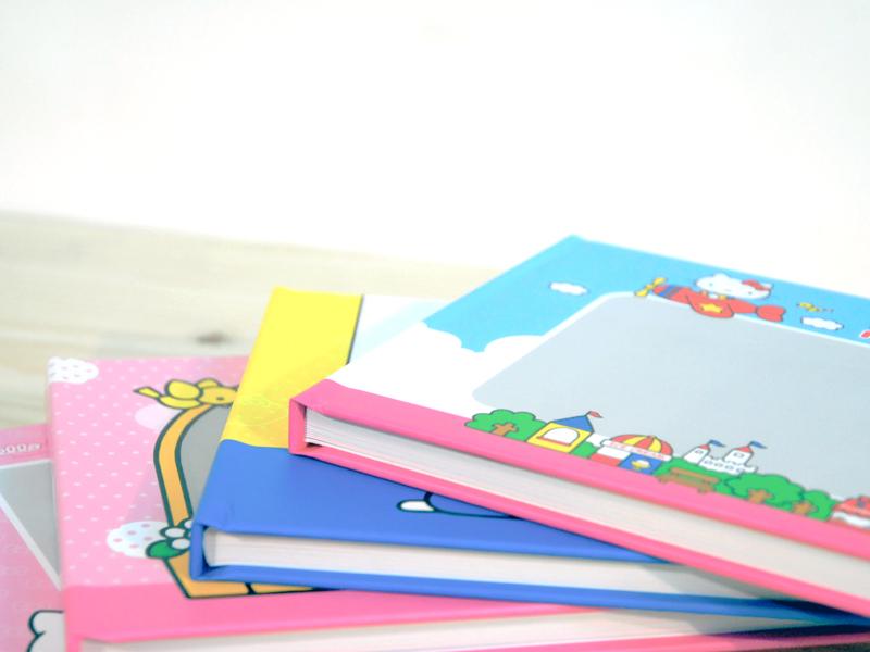 Hello Kitty美好的一天相片書,封面採用精裝設計,好質感